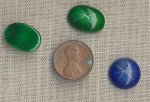 3 VINTAGE GLASS MOONSTONE STAR EMERALD SAPPHIRE CABS