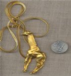 1 VINTAGE GOLD CHAIN GIRAFFE PENDANT NECKLACE