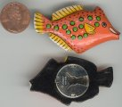 1 VINTAGE HANDPAINTED ORANGE FISH BUTTON COVER