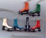 "6 VINTAGE ASST COLOR ROLLER SKATE PENDANT 16"" NECKLACE"