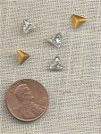 24 VINTAGE GLASS CRYSTAL 6mm TRIANGLE GEM JEWELS