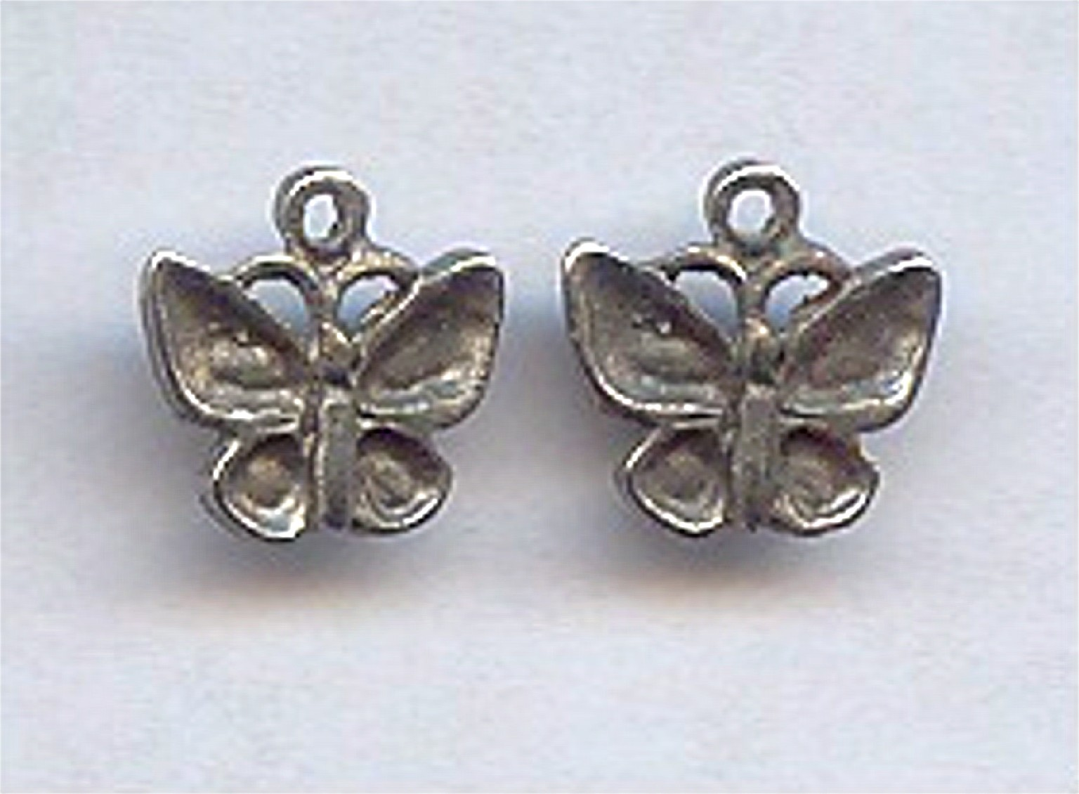 5 VINTAGE ANTIQUE SILVER 14X14mm BUTTERFLY CHARMS
