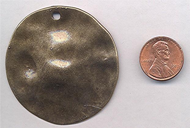 1 ANTIQUE GOLD HAMMERED 59MM ROUND PENDANT