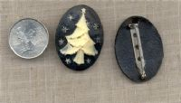 1 VINTAGE JET CAMEO XMAS TREE 40mm BROOCH